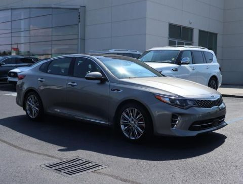 Pre-Owned 2017 Kia Optima SX Limited Auto